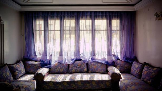 كيف تنعمين بغرفة معيشة هادئة؟؟