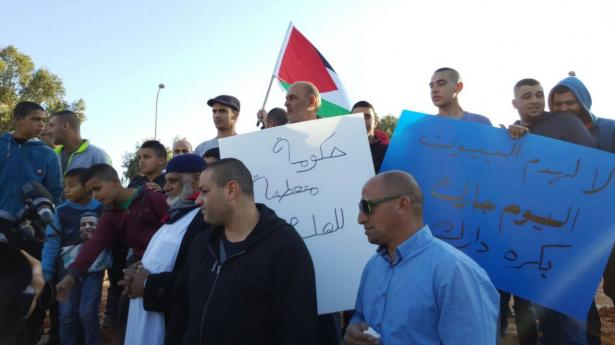 بين مؤيد ومعارض للإضراب؛ د. عباس: