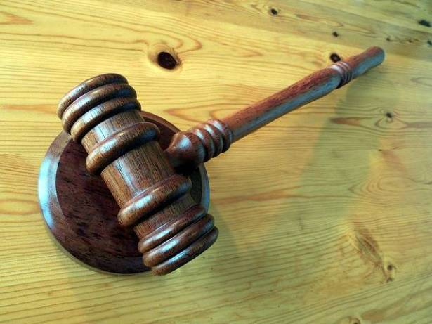 كفركنا: لائحة اتهام ضد طالب تسبب بكسر لمعلم