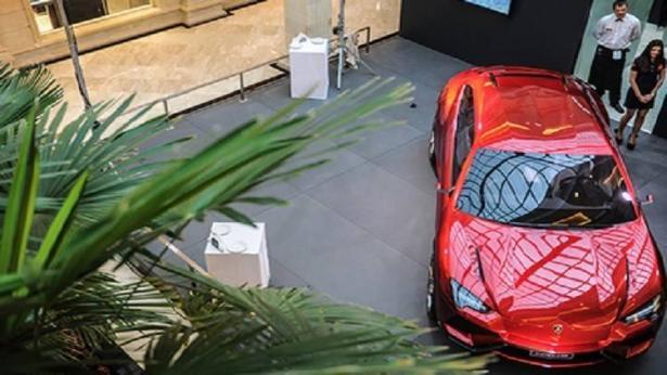 لامبورغيني تسحب 5900 من سياراتها الفارهة