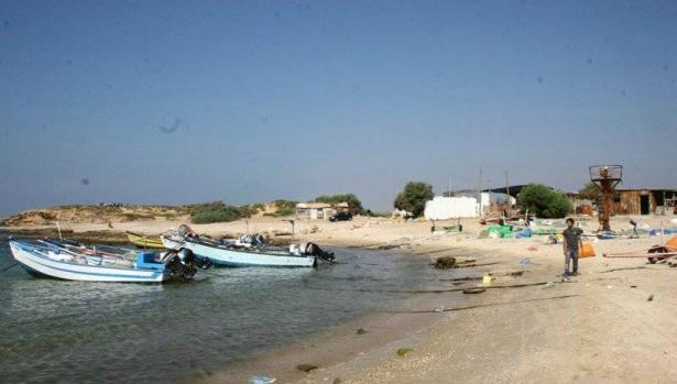 صيادو جسر الزرقاء قلقون بسبب مخطط تحويل الشاطئ الى حديقة وطنية وتقييد عملهم