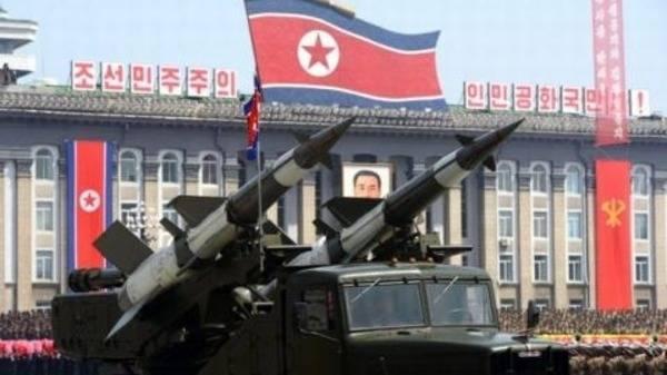 كوريا الشمالية تعد بالرد النووي على الاستفزازات الأمريكية