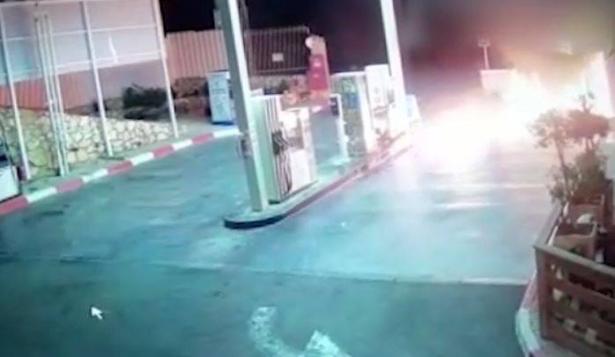 نحف : إضرام النيران في محطة وقود والشرطة تعتقل مشتبه