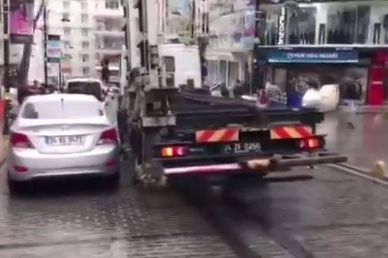 شاهد : طريقة سحب السيارات المخالفة في دول اوروبا