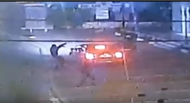 شاهد: اطلاق رصاص كثيف على محل تجاري في سخنين