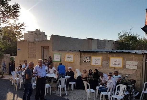 القدس- صلاة الجمعة امام منزل شماسنة المهدد بالاخلاء