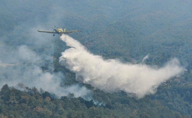 عودة اسطول بعثة إخماد الحرائق التابع للشرطة من جمهورية مقدونيا