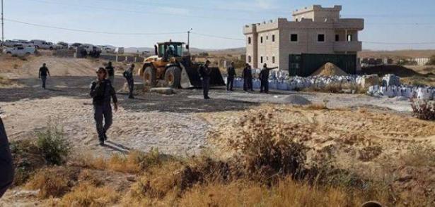 النقب: هدم بيت في قرية مولاداه