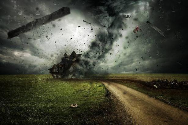 اعصار ارما؛ تحذيرات من