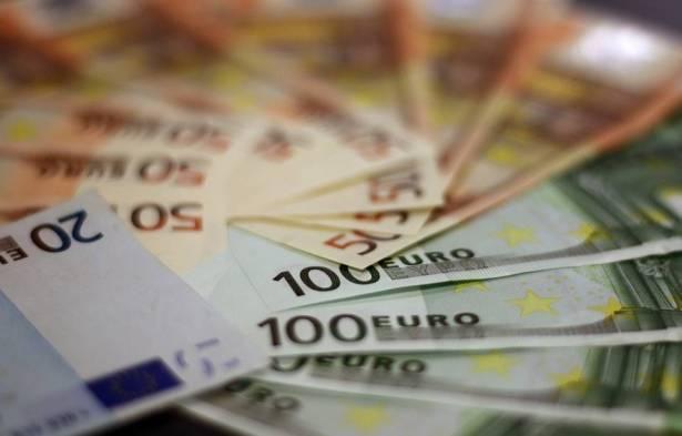 اسعار العملات: اليورو  4.23 شيكل