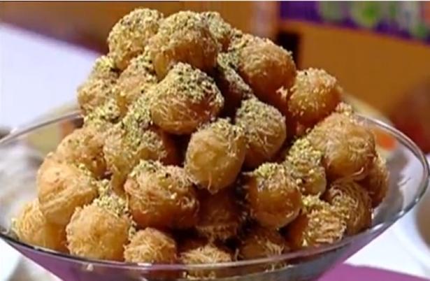 طريقة عمل كرات الكنافة بالكريمة والعسل