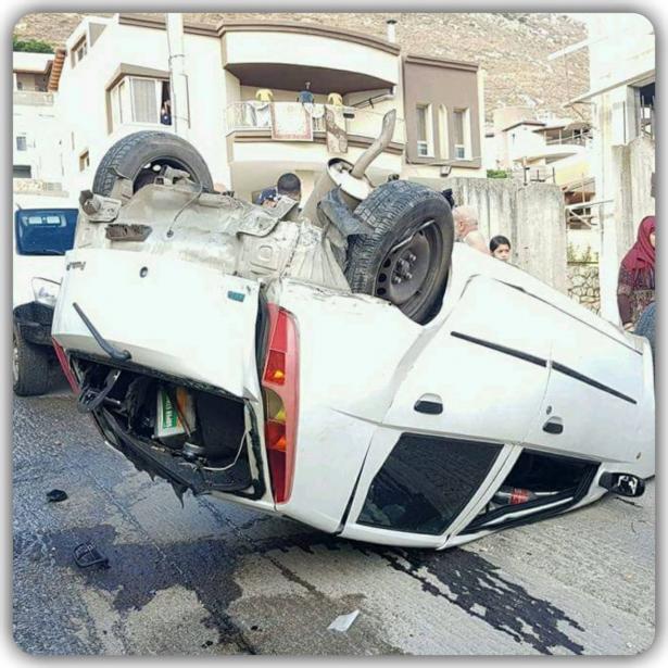 مطاردة بوليسية في مجد الكروم تنتهي بانقلاب سيارة واصابة السائق