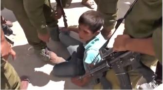 مركز الإنسان: في يوم الطفل العالمي اسرائيل تحتجز 300 طفل في  ظروف إنسانية صعبة