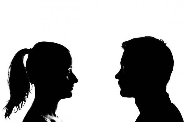 دراسة: الرجال يكذبون ضعف النساء
