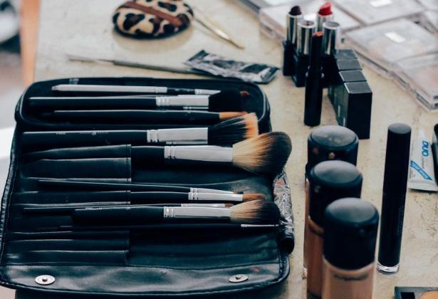أفكار عملية لتنظيف الأدوات الشخصية