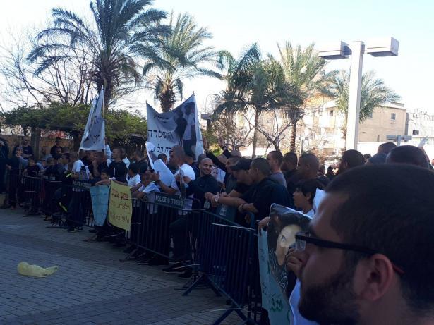 مسيرة غاضبة بيافا لتخاذل الشرطة في الكشف عن حادثة مقتل الشاب مهدي السعدي من قبل شرطي