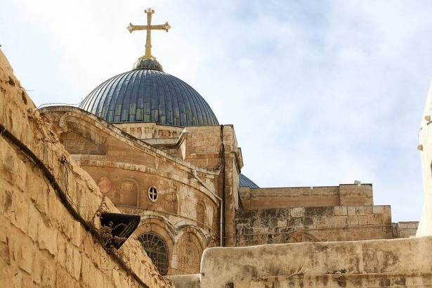 مشروع إسرائيلي لمصادرة أراضي الكنائس في القدس