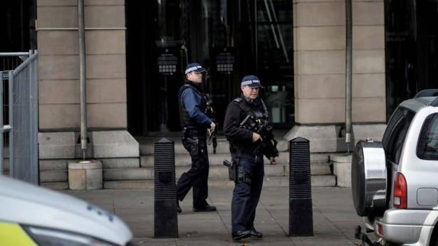 بريطانيا.. العثور على طرد مريب ثان في مقر البرلمان