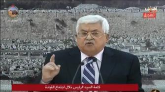 """""""ابن الكلب"""".. """"شاهد"""" محمود عباس ينفعل ويسب سفير أمريكا بإسرائيل"""