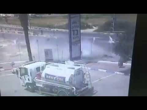 توثيق لحادث طرق مروع على الشارع الرئيس في الطيرة