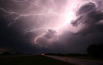 الأرصاد الجوية: أمطار غزيرة وعواصف من الأربعاء حتى الجمعة