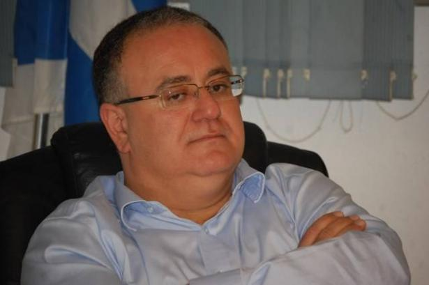 رئيس بلدية الطيرة يوضح سبب تواجد الشرطة في البلدية !!