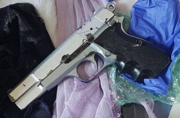 اعتقال شاب من الطيبة بشبهة حيازة السلاح والذخيرة