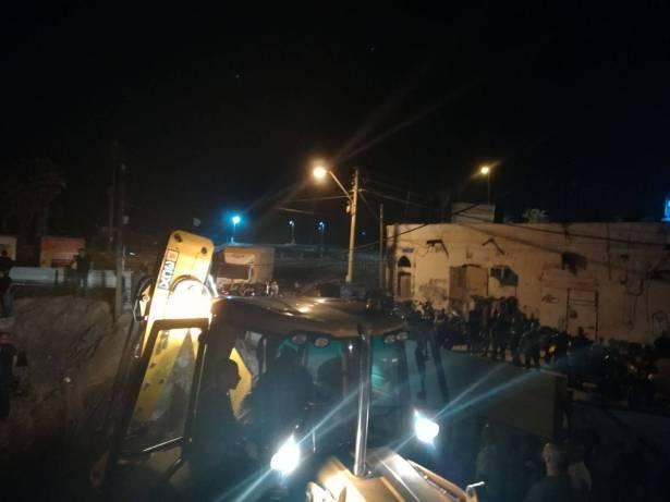 اعتقال عدد من الناشطين عقب الاعتداء على مقبرة في يافا