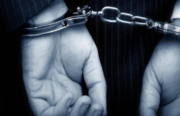 اعتقال 3 مشتبهين من كفر قاسم بشبهة نقل وحيازة الاسلحة وتهريبها بشاحنة عبر الحاجز