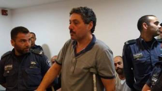 فيديو يوثق قيام الشرطة بتقييد جعفر فرح في المستشفى