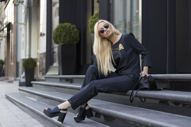 5 نصائح لترتدى اللون الأسود بأناقة