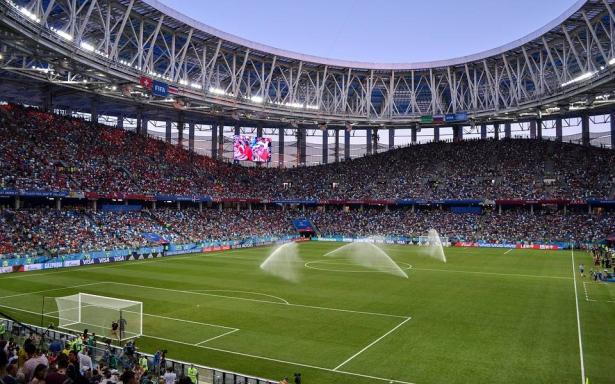 فيس بوك ويوتيوب بثت كأس العالم بطرق غير قانونية