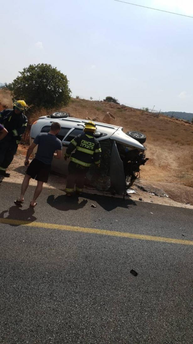 اصابة خطرة لسائق (17 عامًا) بلا رخصة بعد انقلاب سيارته قرب وادي سلامة