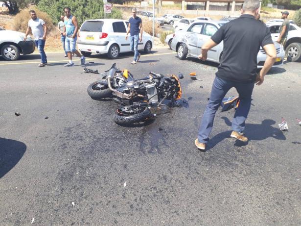إصابة خطرة لسائق دراجة نارية جراء حادث مروّع قرب وادي سلامة