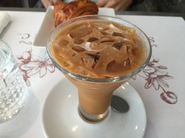 القهوة المثلجة (آيس كافيه)