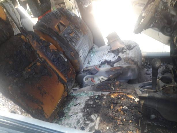 مشتبهون يحرقون مركبة ويطلقون 40 رصاصة على منزل رئيف نعامنة من عرابة