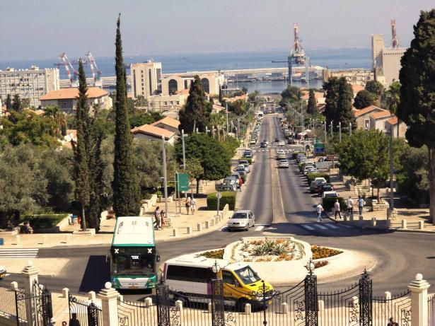 البيت اليهودي في حيفا يحرض ويدعو لعدم الشراء من التجار العرب