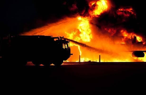حريق في منازل بالناصرة والزرازير واصابات بسبب استنشاق الدخان
