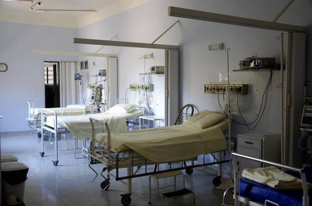 د سمير قاسم: المستشفيات تواجه اكتظاظًا لمرضى الانفلونزا كل شتاء مقابل نقص الأسرّة