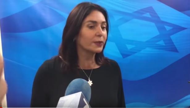 المدير الفني لمسرح بئر السبع للشمس: وزيرة الثقافة لا تعلم عن الثقافة شيئًا