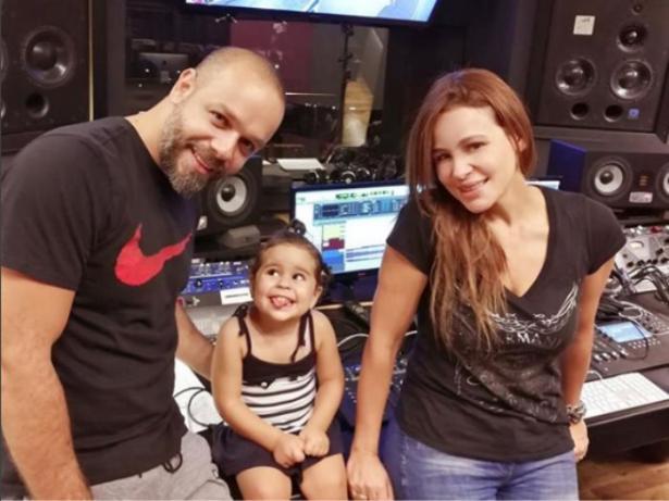 فيديو: ابنة كارول سماحة تكشف عن موهبتها الغنائية مبكراً وتخطف الانظار!