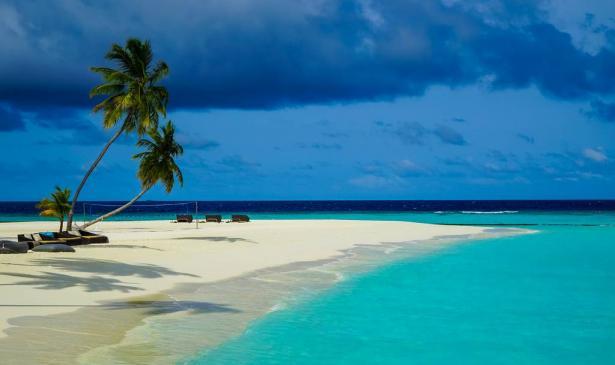 رحلة الأحلام بالمالديف... ليلة خيالية تحت قاع المحيط مقابل 50 ألف دولار