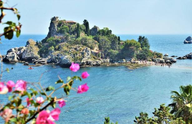 جزيرة صقلية الساحرة... روعة السياحة الإيطالية!