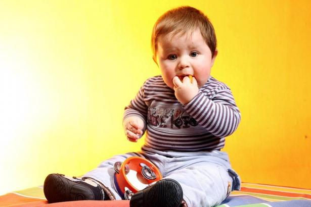 أسباب السمنة عند الأطفال وعلاجها