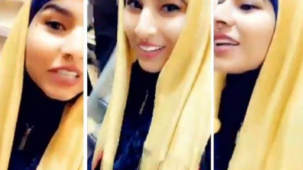 فيديو يثير الجدل على مواقع التواصل الإجتماعي... سيدة تشتري حجاب من الذهب بقيمة 75 ألف دولار!