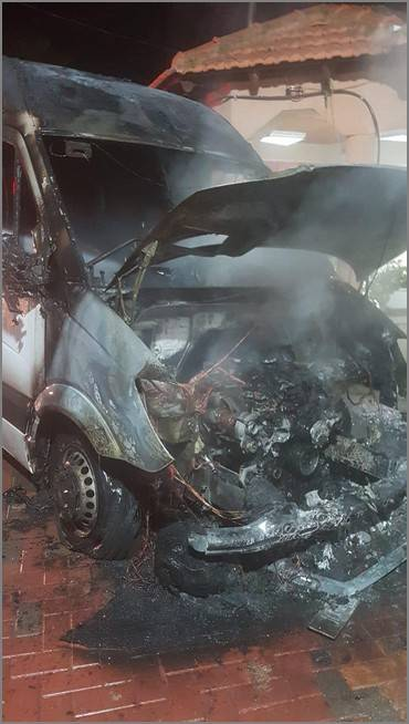 غضب واستنكار في كفرقرع بسبب اعمال العنف، حرق سيارات، واطلاق النار