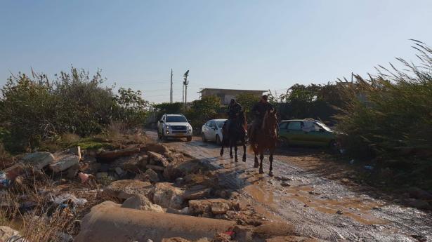 صور وفيديو لاعمال البحث المتجددة عن الشاب المفقود رسمي جربان من جسر الزرقاء