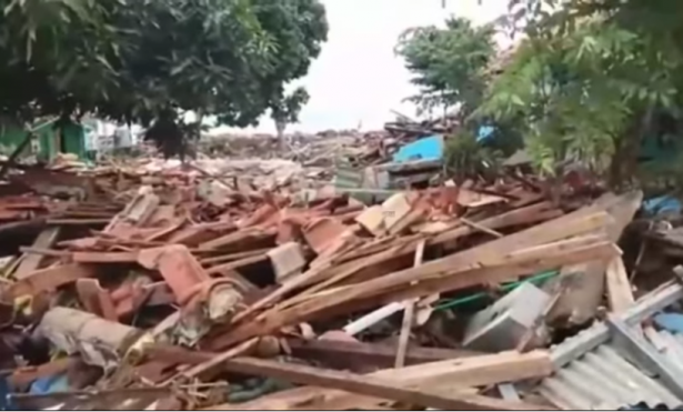 ارتفاع ضحايا تسونامي إندونيسيا إلى 168