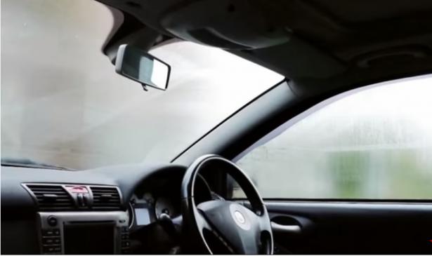 للتخلص من الرطوبة في السيارة خلال الشتاء