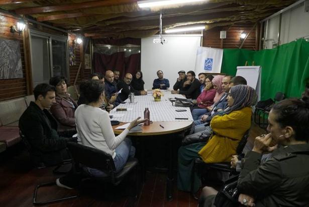 دعوات لانشاء منتدى للسينمائيين العرب في البلاد